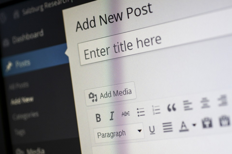 adding a title or a website heading on a new blog post