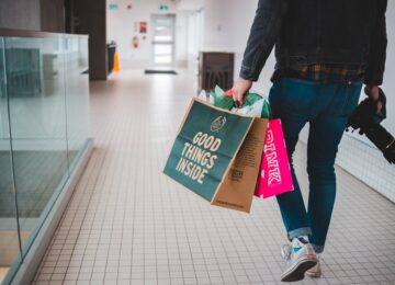 Offline vs. Online - How to Convince Consumers to Online Shopping?
